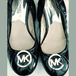 Shoes - Women Michael Kors Shiny Black Leather Ballet Flat